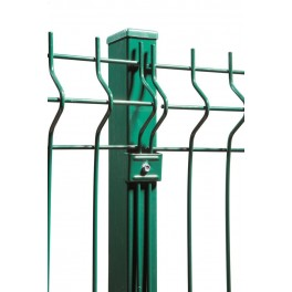 Postes para paneles hércules de 1,5m. de alta. Longitud total 1,80m. Incluye abrazaderas necesarias y tapa pvc.