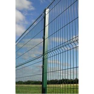 Postes para paneles hércules de 2m. de alta. Longitud total 2,40m. Incluye abrazaderas necesarias y tapa pvc.