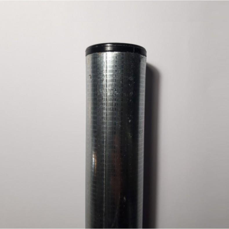 Poste para malla de simple torsión de 1,5m. de alta. Longitud total 1,90m.