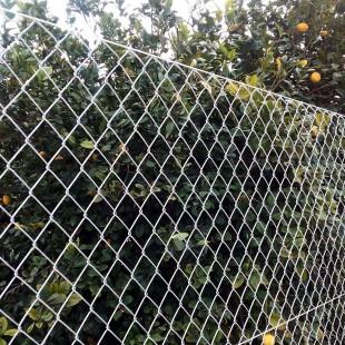 Rollos de malla simple torsión 2 m. de alto / 25 metros lineales.