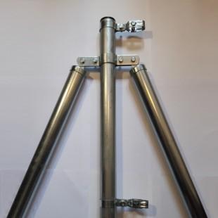 Poste de refuerzo, para malla simple torsión de 2m alta. 2,40m longitud.