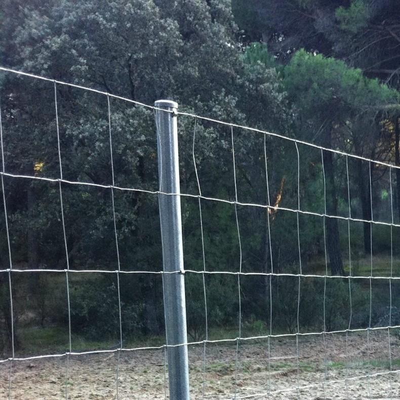 """Postes para """" mallas anudadas o ganaderas"""" de 1,5m. alto (1,90m longitud total)"""